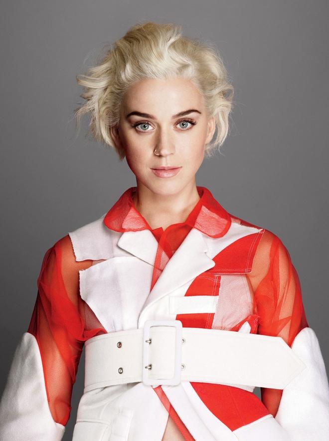 Katy Perry quay lai voi thoi trang 'ky di' hinh anh 7