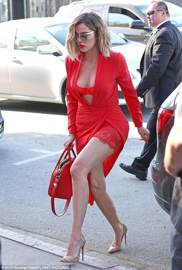 Kim Kardashian pho noi y anh 4