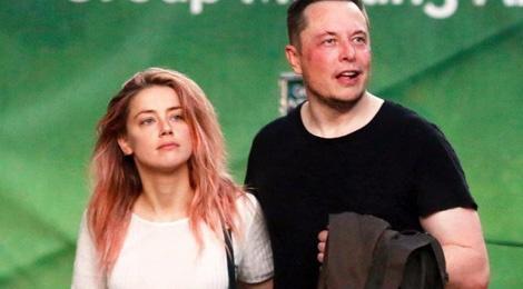 My nhan luong tinh hen ho ty phu Elon Musk hinh anh