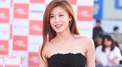 Ha Ji Won quyen ru tren tham do o tuoi U40 hinh anh