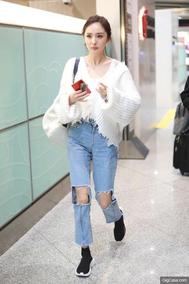 Sao Hoa ngu mac jeans rach anh 2