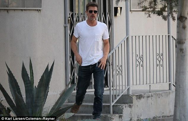 Brad Pitt dan hoi phuc suc khoe nho cai ruou hinh anh 2