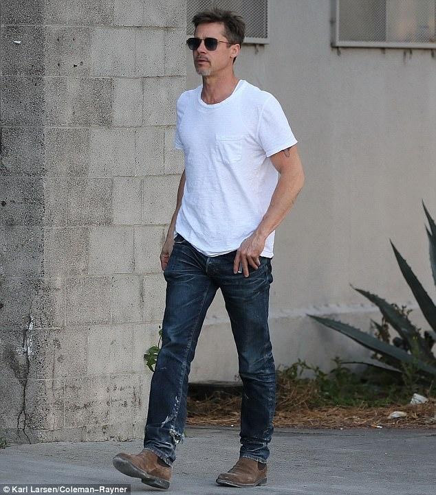 Brad Pitt dan hoi phuc suc khoe nho cai ruou hinh anh 1