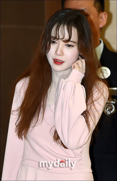 'Nang Co' Goo Hye Sun trat phan qua da khien mat trang bech hinh anh 4