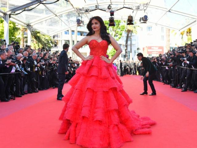 Nhung lan hoa hau dep nhat the gioi toa sang o Cannes hinh anh 1