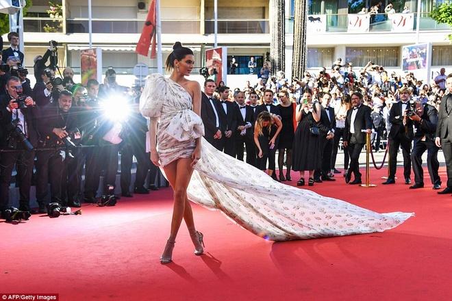 Kendall Jenner la tam diem tham do Cannes ngay thu tu anh 3
