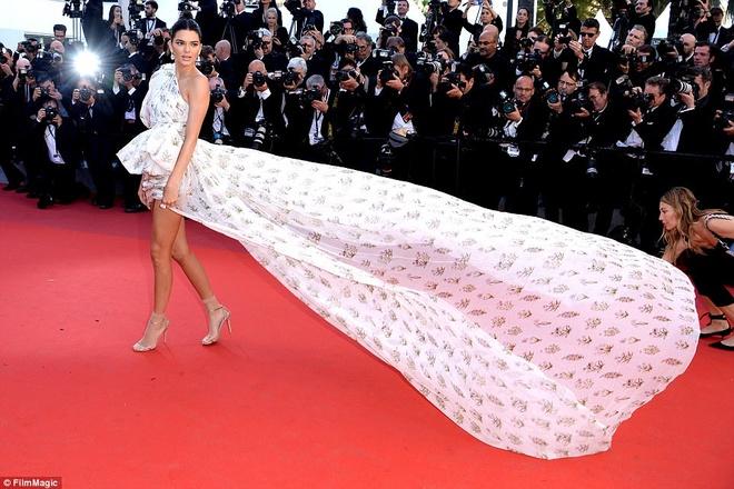 Kendall Jenner la tam diem tham do Cannes ngay thu tu anh 1