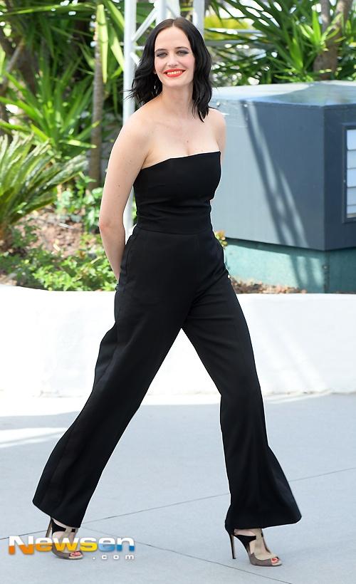 'Bieu tuong goi cam nuoc Phap' Eva Green hut hon o LHP Cannes hinh anh 1