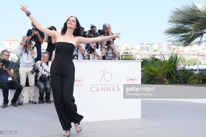 'Bieu tuong goi cam nuoc Phap' Eva Green hut hon o LHP Cannes hinh anh 5