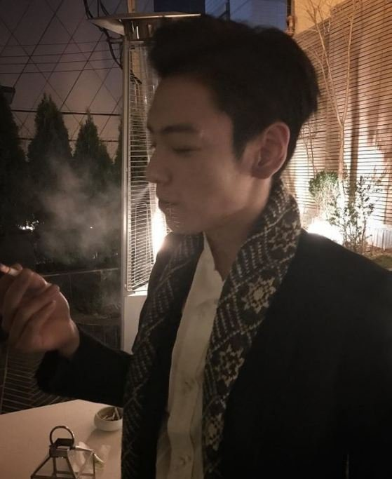 G-Dragon xuat hien lang le giua scandal ma tuy cua T.O.P hinh anh 3
