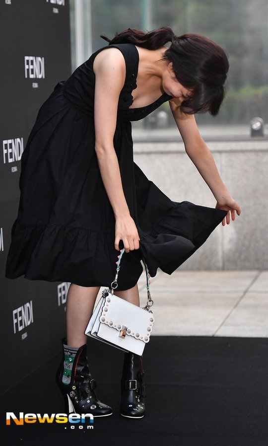 Suzy va my nhan dao keo Han Ye Seul noi bat o su kien hinh anh 2