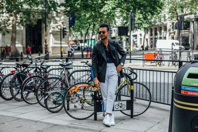 Street style sanh dieu tai Tuan le thoi trang nam xuan he 2018 hinh anh 5