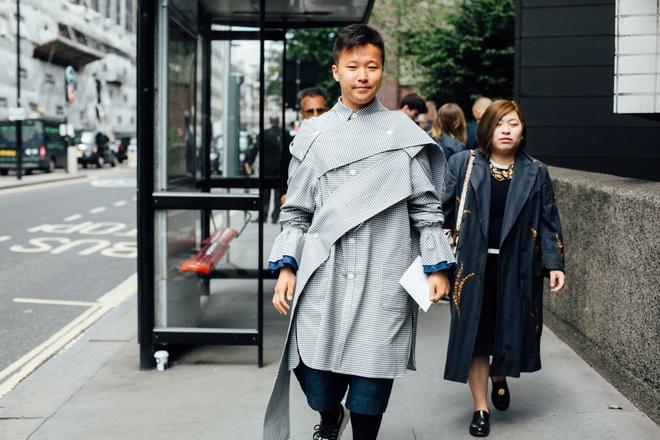 Street style sanh dieu tai Tuan le thoi trang nam xuan he 2018 hinh anh 4