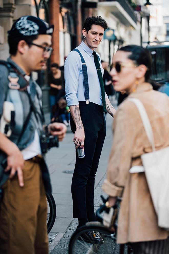 Street style sanh dieu tai Tuan le thoi trang nam xuan he 2018 hinh anh 8