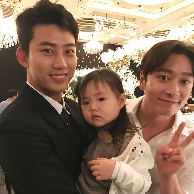Dan sao nha JYP co mat trong dam cuoi cua CEO Jungwook hinh anh 5