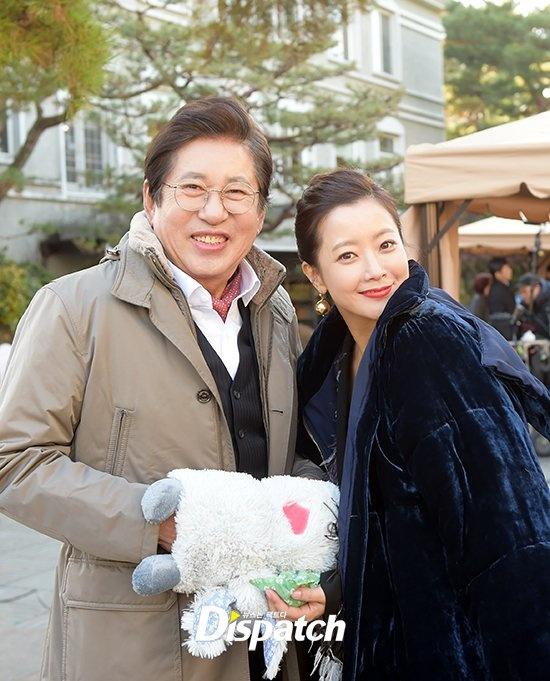 Kim Hee Sun sang chanh tren truong quay phim moi hinh anh 4