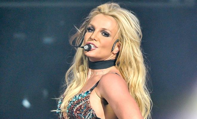 Britney Spears bieu dien live tang ve si sau khi bi chi trich hat nhep hinh anh