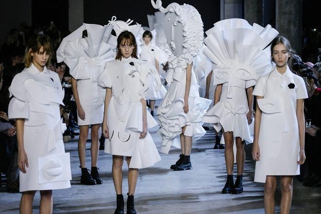Thoi trang Haute Couture: Bieu tuong cua su xa xi va dang cap hinh anh 5