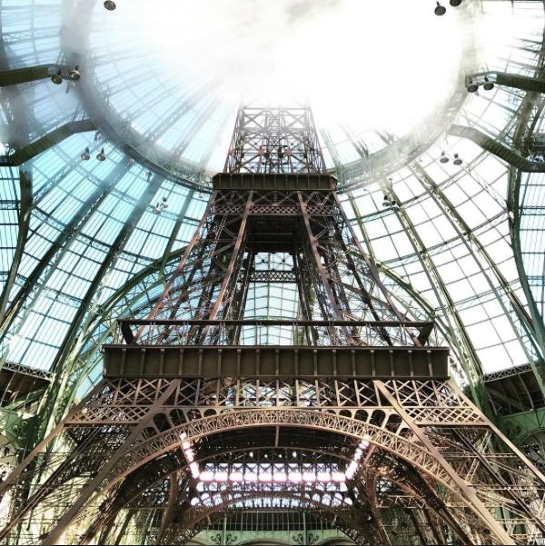 Chanel mang thap eiffel den show dien couture 2017 anh 1