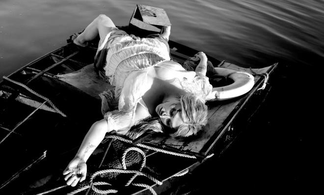 Kesha doi mat voi qua khu bi lam dung trong MV tro lai hinh anh