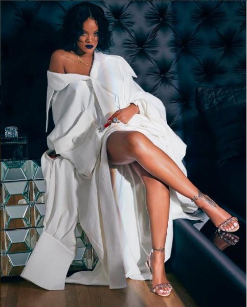 Rihanna xuat hien voi thiet ke cua Cong Tri hinh anh 1