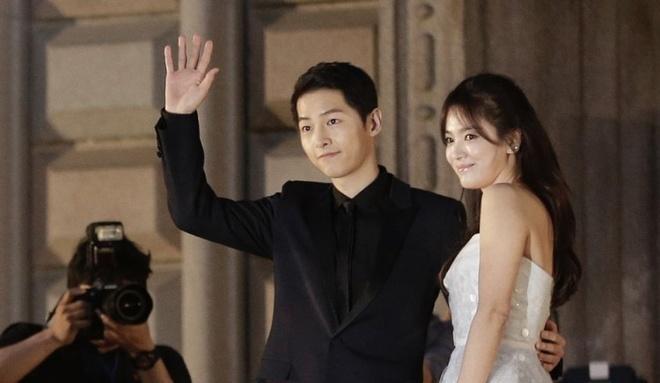 Ly do Song Joong Ki va Song Hye Kyo luon phu nhan chuyen hen ho hinh anh 1