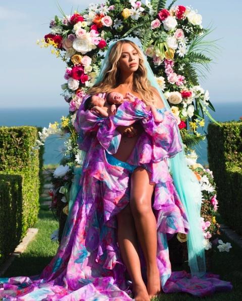 anh con sinh doi cua Beyonce anh 1