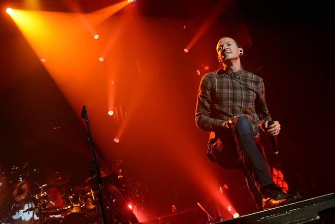 Thu linh Linkin Park tu tu vao ngay sinh nhat ban than qua co hinh anh 2