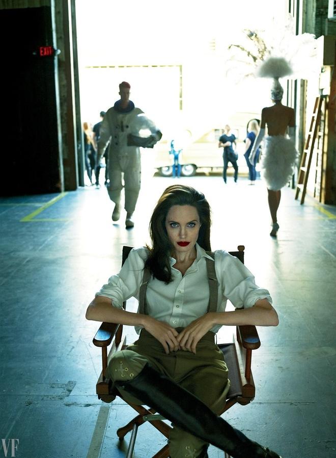 Angelina Jolie dep sac sao trong bo anh moi hinh anh 9