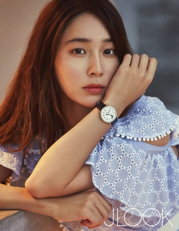 Vo tai tu Lee Byung Hun khoe nhan sac o Da Nang hinh anh 4