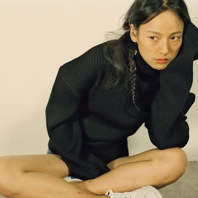 Lee Hyori tu tin khoe mat moc tren tap chi hinh anh 1