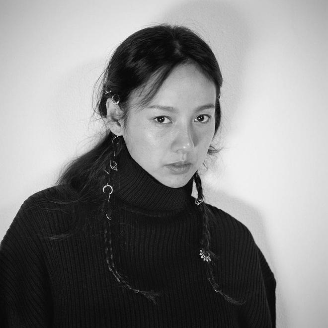 Lee Hyori tu tin khoe mat moc tren tap chi hinh anh 6