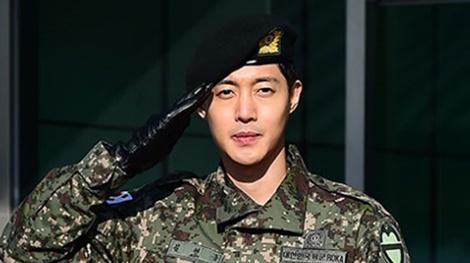 Kim Hyun Joong tro lai lang giai tri sau scandal danh phu nu hinh anh
