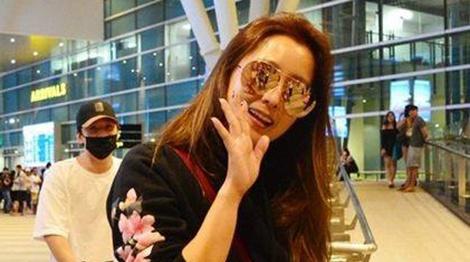 Kim Hee Sun den Da Nang nghi duong cung doan lam phim hinh anh