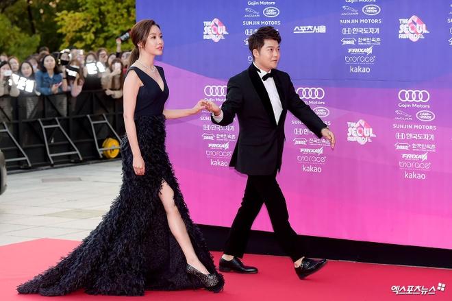 Dan my nhan dien anh Han khoe sac tai tham do The Seoul Awards anh 5