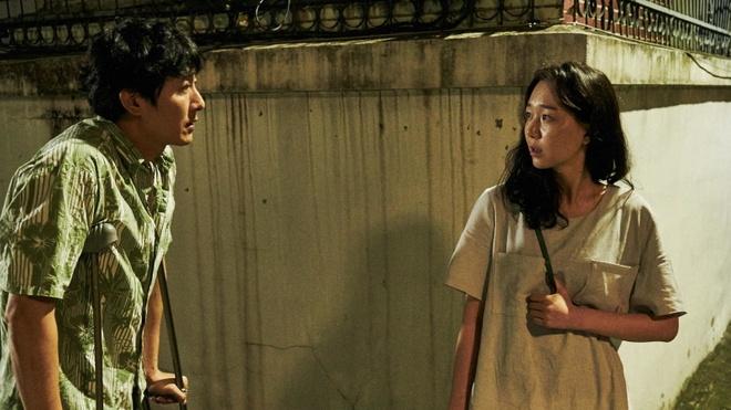 Ban gai Kim Joo Hyuk soc nang khi biet tin ban trai qua doi hinh anh 2