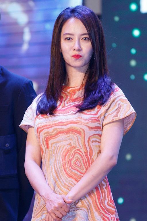 Song Ji Hyo va iKon xuat hien rang ro tai Viet Nam hinh anh 1