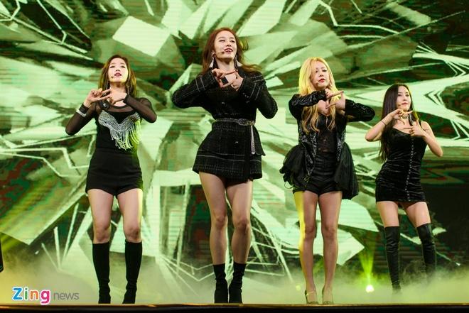 T-Ara, TEEN TOP cung Soobin Hoang Son hoi tu tren san khau hinh anh 6