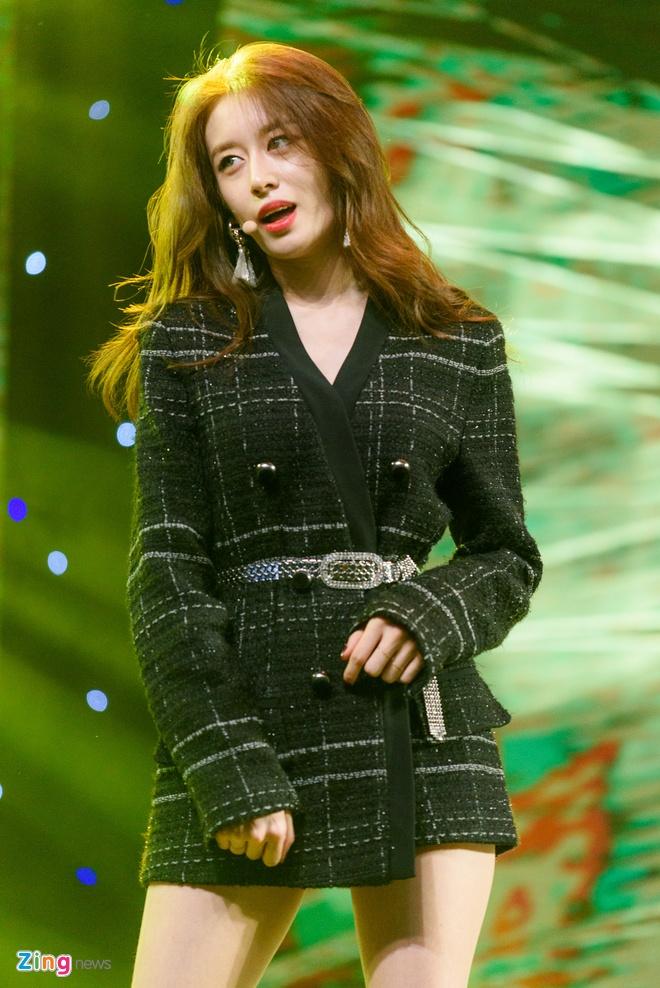 T-Ara, TEEN TOP cung Soobin Hoang Son hoi tu tren san khau hinh anh 8