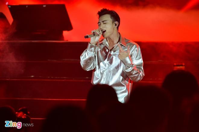 T-Ara, TEEN TOP cung Soobin Hoang Son hoi tu tren san khau hinh anh 11