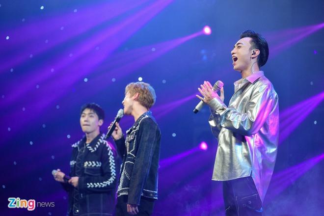 T-Ara, TEEN TOP cung Soobin Hoang Son hoi tu tren san khau hinh anh 13