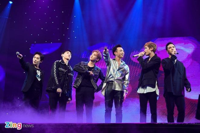 T-Ara, TEEN TOP cung Soobin Hoang Son hoi tu tren san khau hinh anh 12