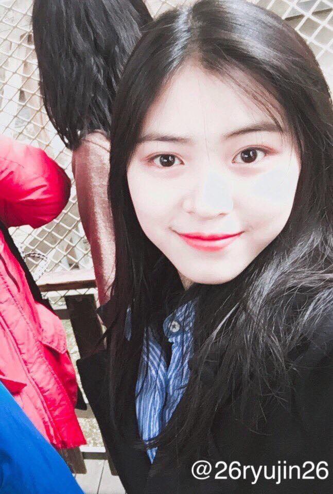 Nu sinh 14 tuoi duoc moi gia nhap JYP chi vi qua xinh dep hinh anh 3