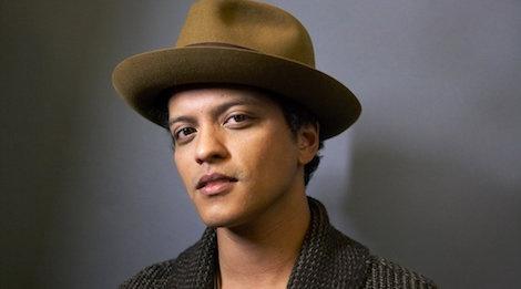 Bruno Mars vang mat van boi thu giai thuong tai AMA 2017 hinh anh