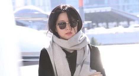 Lee Young Ae, Song Joong Ki va dan sao len duong du MAMA tai Hong Kong hinh anh