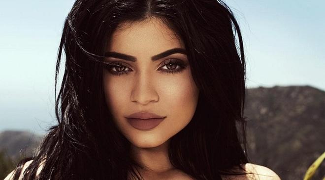 Trao luu trang diem moi teu quyen ru giong Kylie Jenner hinh anh 1