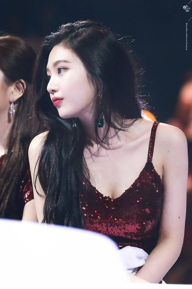 Nu ca si 21 tuoi cua Red Velvet gay chu y vi ngoai hinh quyen ru hinh anh 1