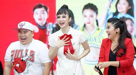 Rocker Nguyen: 'Nu hon voi Angela Phuong Trinh la dang nho nhat' hinh anh