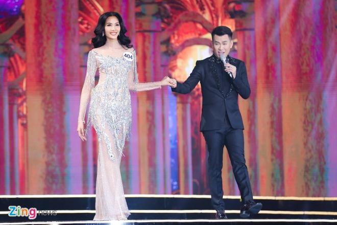 Top 10 Hoa hau Hoan vu Viet Nam 2017 long lay trong trang phuc da hoi hinh anh 11