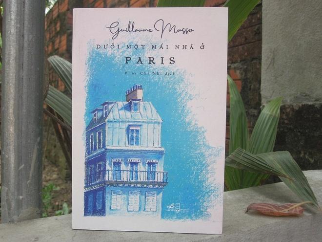 Duoi mot mai nha o Paris anh 1